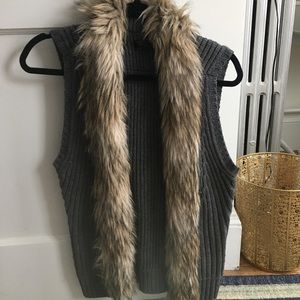Guess knit vest